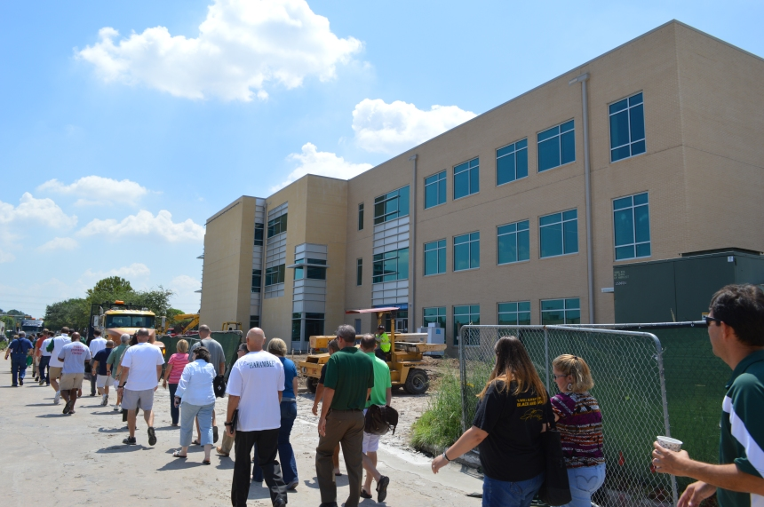 SJ faculty and staff tour the new science and engineering building during in-service. Photo: MAGIS