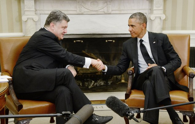President Barack Obama holds a bilateral meeting with President Petro Poroshenko of Ukraine in the Oval Office of the White House September 18, 2014 in Washington, DC. (Olivier Douliery/Abaca Press/MCT)